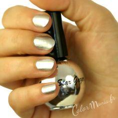 Manucure Vernis à Ongles Chrome Argent - Stargazer - (c) Color-Mania (http://www.color-mania.fr/boutique/vernis-a-ongles-de-lespace-chrome-argent/)