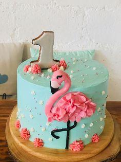 Flamingo cake with fondant and decorated cookies - Kuchen - Torten Flamingo Birthday, Luau Birthday, Birthday Cake, Birthday Recipes, Birthday Ideas, Fondant Cakes, Cupcake Cakes, Cake Cookies, Flamingo Cupcakes