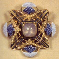 Sale On Gold Jewellery Lalique Jewelry, Enamel Jewelry, Gold Jewellery, Jewelry Crafts, Jewelry Art, Vintage Jewelry, Famous Jewelers, Italian Gold Jewelry, Thistle Flower