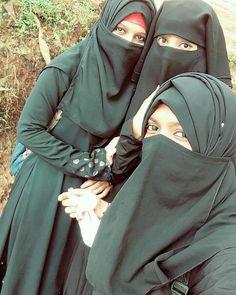 Arab Girls Hijab, Girl Hijab, Muslim Girls, Hijab Niqab, Mode Hijab, Muslim Women Fashion, Womens Fashion, Street Hijab Fashion, Muslim Beauty