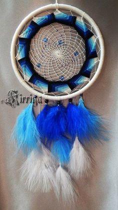 Фотография Blue Dream Catcher, Lace Dream Catchers, Beautiful Dream Catchers, Dream Catcher Craft, Native American Fashion, Native American Art, Collar Indio, Dream Catcher Tutorial, Mobiles