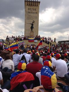 Desde Colombia #SOSVenezuela pic.twitter.com/ccwH0IO8Xq vía @ElGuilleGarcia
