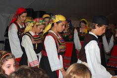 Folk Dance, Greeks, Dance Costumes, Traditional Outfits, Dancers, Culture, Clothing, Fashion, Outfits