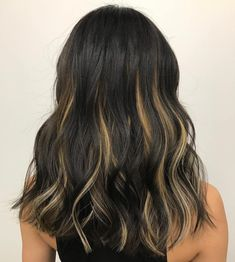Black Hair With Blonde Highlights, Brown Blonde Hair, Hair Color For Black Hair, Hair Highlights, Chunky Highlights, Caramel Highlights, Color Highlights, Blonde Peekaboos, Hair Streaks