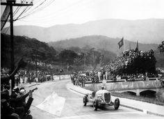 TEMPORADA DE 1934 - Irineu Corrêa, com Ford V-8, vencedor  na Gávea - Rio de Janeiro - Brasil. Felipe - Álbuns da web do Picasa