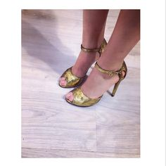 Gold Jacqueline  #the5thelementshoes #clunetshowroom #gold #sandals #designershoes #romaniandesigner #bucharest #highheels #custommade… Clu, Gold Sandals, Bucharest, Designer Shoes, High Heels, Instagram, Fashion, Moda, Fashion Styles