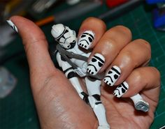 Nerd Nails of the Day: Storm Troopers! This would make Levi the happiest man alive. lol