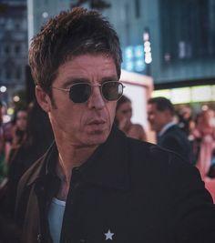 Definitely Maybe, Beady Eye, Liam Gallagher, Britpop, Pretty Green, Rock Music, 90s Fashion, Oasis, Manchester