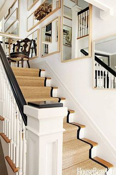 Stair runner comes in various types and styles. From stair runner carpet to stair runner DIY. Need inspiration? Check out our stair runner ideas here Farmhouse Stairs, Rustic Stairs, Modern Stairs, Wood Stairs, Hollywood Hills Häuser, Black And White Stairs, Staircase Runner, Stair Runners, Stair Banister