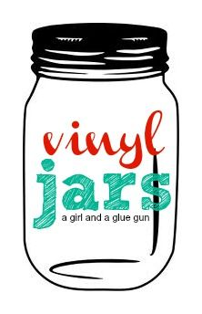 A girl and a glue gun: mason jar.....vinyl edition...easy ways to splash up the mason jars with fun vinyl!
