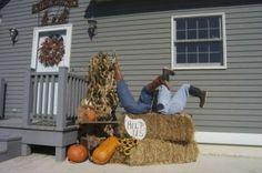 baling hay humor | Nothin' like a little hay bale humor. Photo by Bernie Hunhoff.