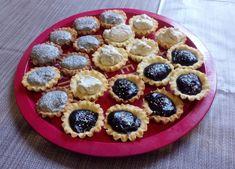 Linzer kosárka recept - Süss velem.com Small Cake, Fudge, Biscuits, Muffins, Cheesecake, Food And Drink, Menu, Pie, Sweets