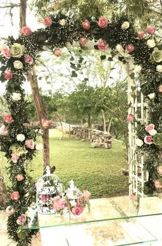 At the entrance to the wedding, I believe that the bride and groom have been designed to be very distinctive, but with flowers and balloons… Wedding Ceremony Arch, Wedding Entrance, Wedding Scene, Wedding Flowers, Wedding Church, Arco Floral, Floral Arch, Indoor Wedding, Diy Wedding