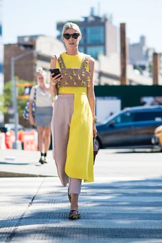 The Best Street Style Looks from New York Fashion Week High Street Fashion, New York Fashion Week Street Style, Nyfw Street Style, Spring Street Style, Fashion Blogger Style, Street Chic, Tokyo Fashion, India Fashion, Fashion Black