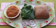 Облачно с кюфтета –  вегетариански кюфтета с боб и печени чушки
