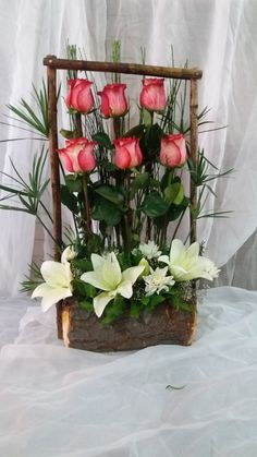 Deco Floral, Arte Floral, Floral Design, Funeral Flower Arrangements, Rose Arrangements, Ikebana, Arrangement Floral Rose, Elegant Flowers, Beautiful Flowers