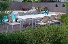 Vaak in de zomer veel vrienden of familie over de vloer? Deze tuinset van Beach7 is perfect om heerlijk met z'n allen buiten te eten!