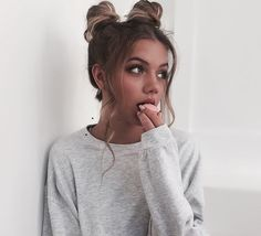 Find images and videos about girl, fashion and style on We Heart It - the app to get lost in what you love. Hair Inspo, Hair Inspiration, Pretty People, Beautiful People, Tmblr Girl, Foto Casual, Good Hair Day, Hair Dos, Gorgeous Hair