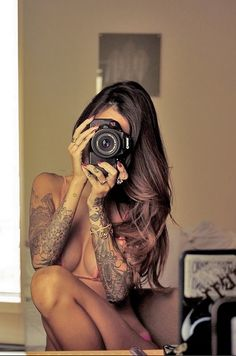 Tattoo Girl with Canon EOS 600D/T3i Rebel DSLR camera