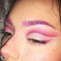 Find the perfect eyebrow paste, pencil, powder, filler and eyebrow makeup… - Easy Make Up Pink Makeup, Makeup Art, Beauty Makeup, Hair Makeup, Fox Makeup, Clown Makeup, Costume Makeup, Unique Makeup, Cute Makeup