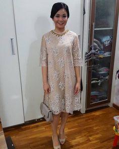 63 Ideas dress brokat lace simple for 2019 Source by filomenayulianti brokat Dress Brukat, Kebaya Dress, Dress Pesta, Batik Dress, Lace Dress, Kebaya Brokat, Trendy Dresses, Simple Dresses, Elegant Dresses