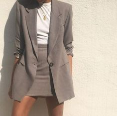 modest wear with longer skirt, oversized, monochrome, street style, smart casual… - Stylish OMG Trend Fashion, Work Fashion, Office Fashion, Fashion Fashion, Fashion Women, Fashion Ideas, Fashion Tips, Classy Outfits, Casual Outfits