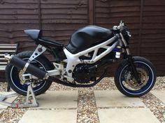 http://me-moto.com/uploads/postfotos/suzuki-sv650-track-bike-streetfighter-cafe-racer-1.JPG