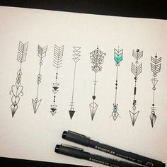 ❤ for sisters tattoo idea. The colored in back of the arrow symbolizes whether you are 1 2 or #3 sister ♡♡♡