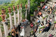 tropical Costa Rica wedding ceremony in the amphitheatre at Villa Caletas, photo by A Brit & A Blonde | via junebugweddings.com