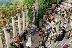 tropical Costa Rica wedding ceremony in the amphitheatre at Villa Caletas, photo by A Brit & A Blonde | via junebugweddings.com