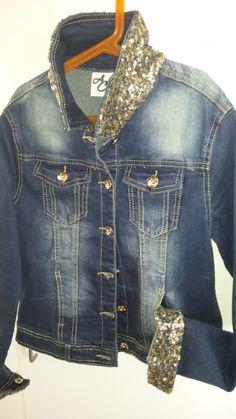 chaqueta denim con cuello y puños con lentejuelas negras mediterraneanstyle by anabelcohen  talla M (38)