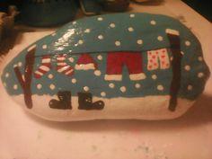 Christmas Rock, Kindness Rocks, Rock Painting, Rock Art, Painted Rocks, December, Arts And Crafts, Craft Ideas, Journal
