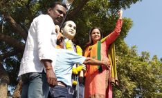 Can Jr Trisha Become An MLA? : Popularly known as Jr Trisha, Reshma Rathore who shot to fame with 'Ee Rojullo' surprised everyone by foraying Telugu, Jr, Politics, India, Actresses, Canning, Couple Photos, Couples, Female Actresses