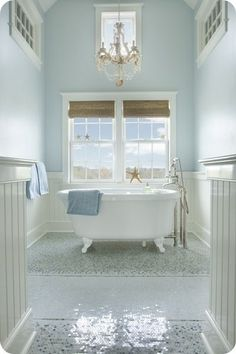 Beachy Bathroom - more → http://pattyfashiondegreesblog.blogspot.com/2013/10/beachy-bathroom.html