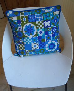 vintage mod floral piped cushion cover