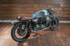 "RocketGarage Cafe Racer: Guzzi 010 ""Santino"""