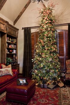 Cater your tree to the ambience of the room! The right decorative choices will make your room breathtaking ;))