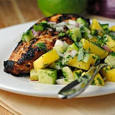 Jamaican Jerk Chicken with Mango Salsa {gluten-free, low-carb}. Entree Recipes, Dinner Recipes, Cooking Recipes, Healthy Recipes, Jamaican Dishes, Jamaican Recipes, Mango Salsa Chicken, Great Recipes, Favorite Recipes