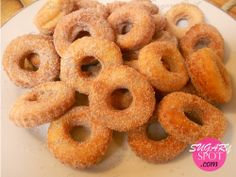 Mini Donitas. Pequeñas, esponjositas que al cocinarse dejan un aroma delicioso que despierta el antojo!