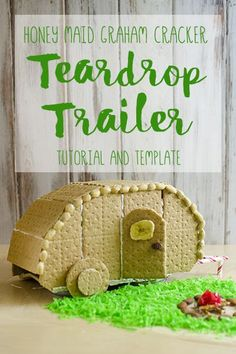 Build this little teardrop trailer instead of the usual house this holiday! Printable template and step-by-step instructions included! #HoneMaidHouse AD