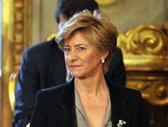 Sicilia: La #Ministra: #Sigonella  portaerei sul Mediterraneo (link: http://ift.tt/2bXhbfA )