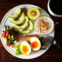 The Keto Challenge is a well-crafted plan to get you through the first month. Breakfast Plate, Breakfast Time, Breakfast Recipes, Clean Recipes, Healthy Recipes, Diet Recipes, Snack, Food Plating, Food Videos