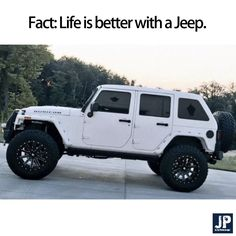 I want this style hardtop for my Jeep 🖤 Jeep Jk, Auto Jeep, Jeep Rubicon, Jeep Cars, Jeep Truck, White Rubicon Jeep, White Jeep Wrangler Unlimited, Jeep Wrangler Rubicon, Badass Jeep