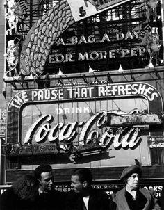Lou Stoumen. Coca-Cola Sign, Times Square - 1940
