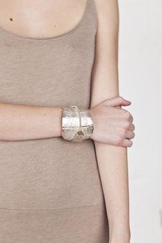 embossed overlap relief cuff - René Talmon L'Armée Women | Reborn.ws