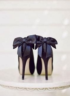 Such amazing shoes! #blacktie #bridalparty