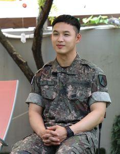 Hyunsik Btob, Military Jacket, Button Down Shirt, Men Casual, Mens Tops, Shirts, Fashion, Moda, Field Jacket