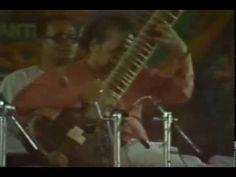 1983-01-02_Pandit Ravi Shanker performs in Brindavan.