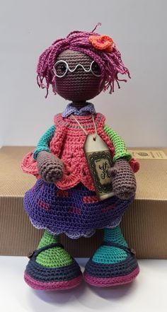 katxirula Crochet Doll Pattern, Crochet Dolls, Crochet Hats, Homemade Toys, Doll Tutorial, Stuffed Toys Patterns, Amigurumi Doll, Beautiful Crochet, Tricot