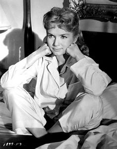 debbie reynolds - i loved old hollywood films--Tammy, Singing in thr rain etc